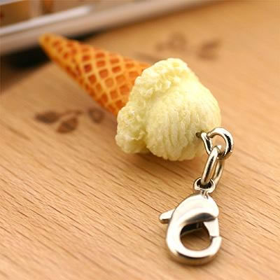 Fresh And Cool! Ice Cream Miniature Sample Cell Phone Charm Sharp Corn Vanilla